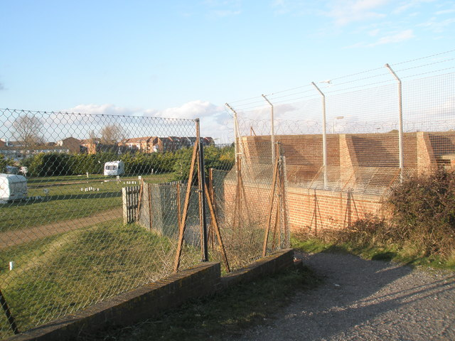 Path between Fort Cumberland and the Mobile Home Park at Eastney