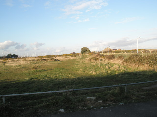 Common land behind the beach at Eastney
