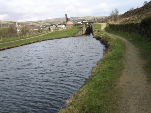 Huddersfield Narrow Canal near Diggle