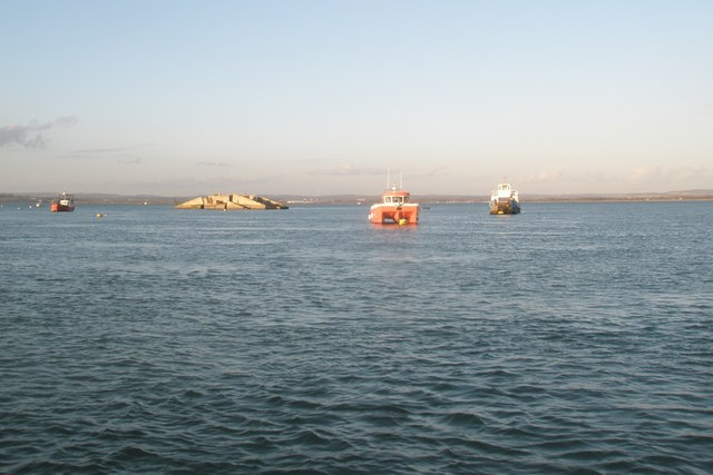 Lifeboat on training manoeuvres in Langstone Harbour