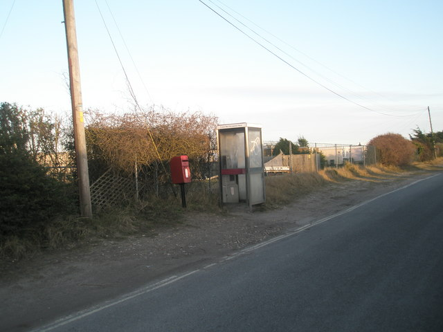 Postbox and phonebox in Ferry Road