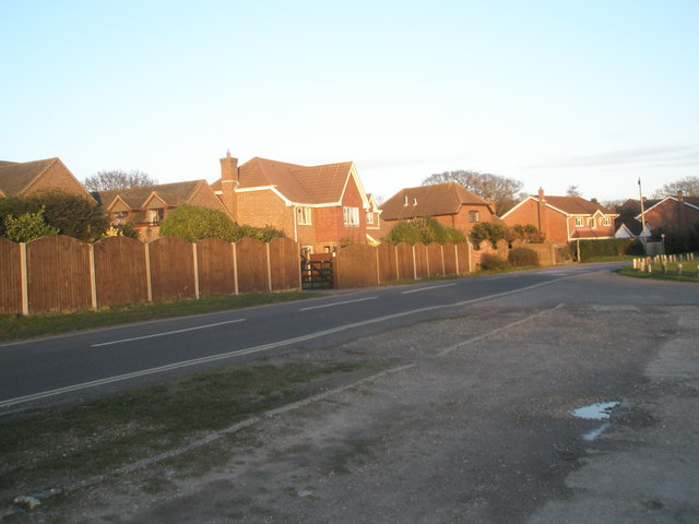 Houses at the eastern end of Ferry Road