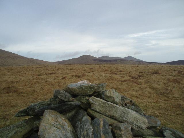 Summit stones of Mullagh Ouyr