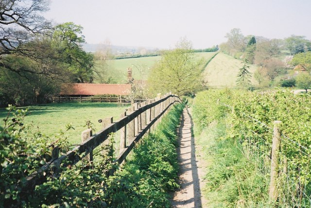 Footpath to Stratford St Mary