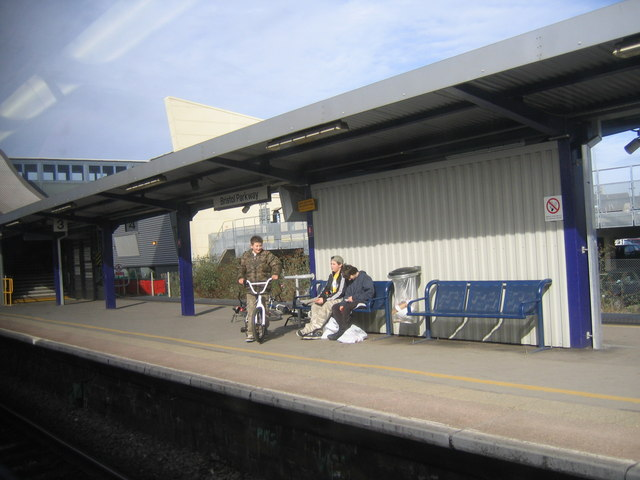 Bristol Parkway Railway Station, Platforms 3 & 4