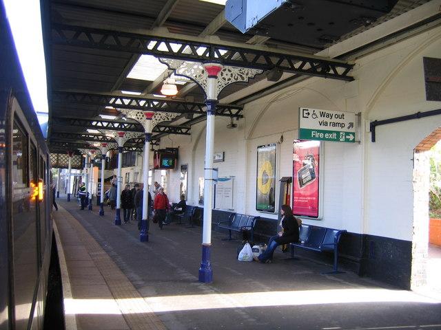 Cheltenham Spa Railway Station, Platform 1