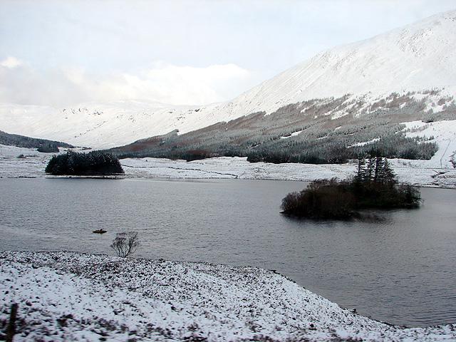 Islands in Loch Sgamhain
