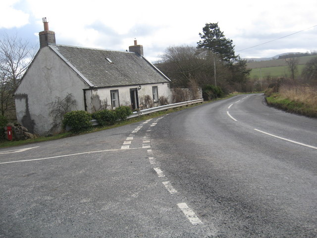 Cottage at the junction to Cherrytrees Farm