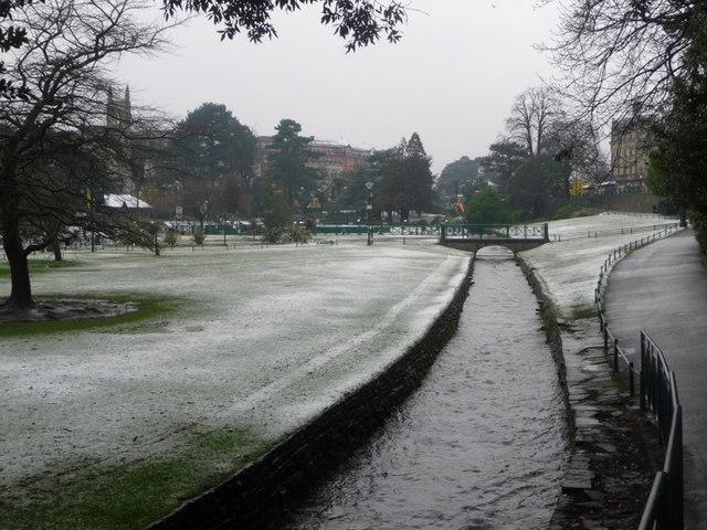 Bournemouth Gardens: upstream following snowfall