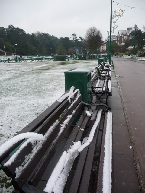 Bournemouth Gardens: bench snow begins to thaw
