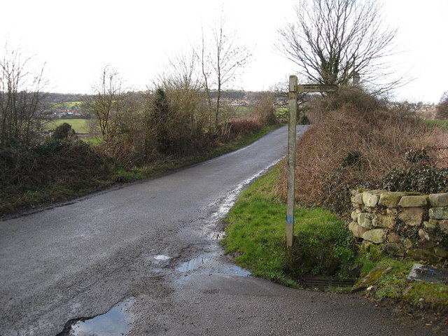Footpath at the top of Bobbinmill Hill