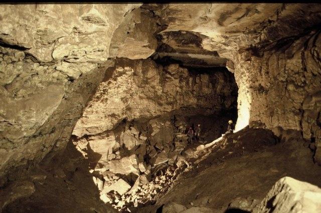 Agen Allwedd Cave