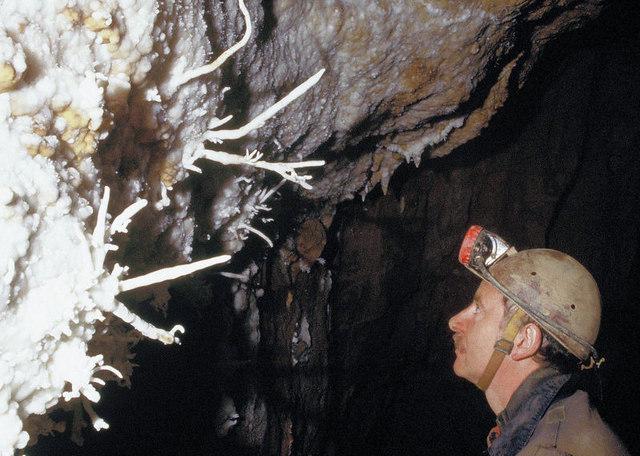 Darren Cilau Cave Llangattock