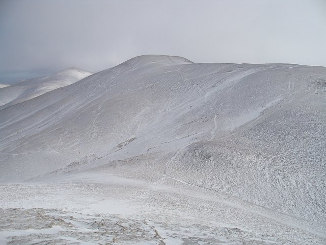 Pass beneath Scald Law/South Black Hill