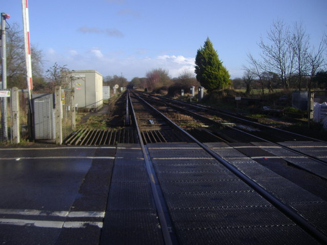 Railway line by Ash station