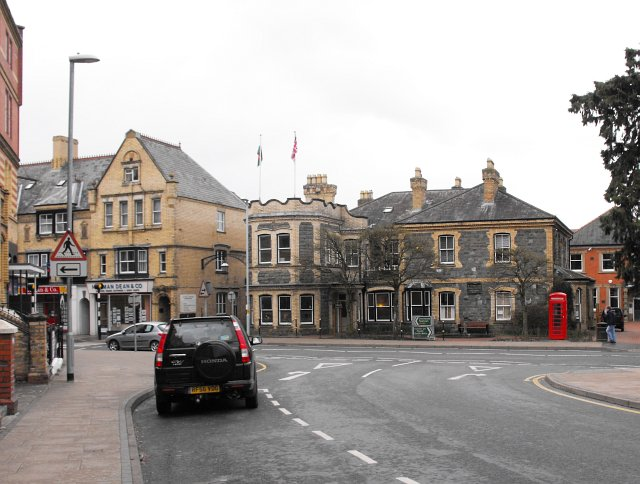 Junction of South Crescent with Temple Street