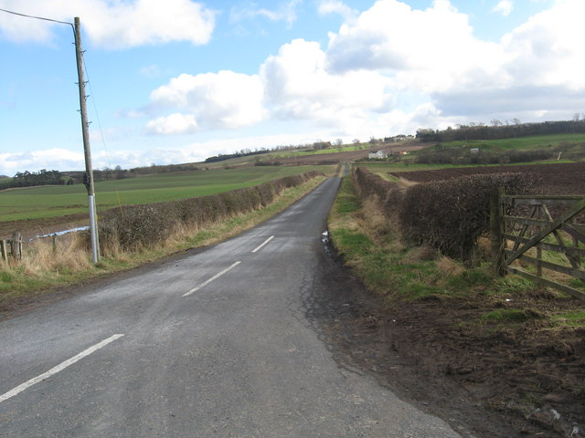 The way to Nottylees Farm
