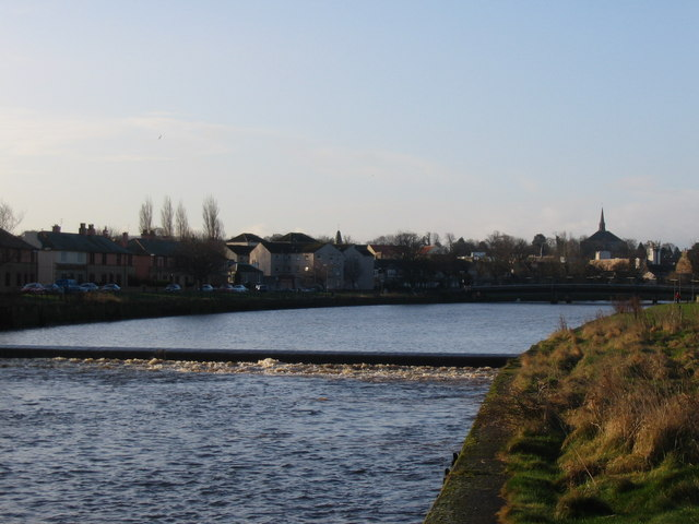 Weir on the River Esk looking back towards Musselburgh