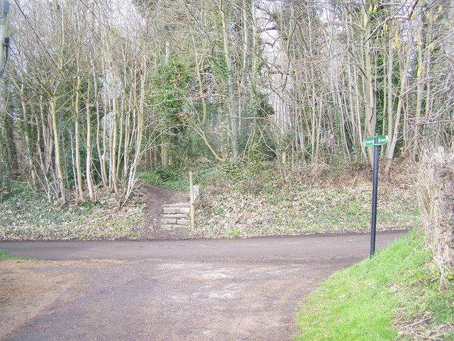 Greensand Way crosses Loddington Lane