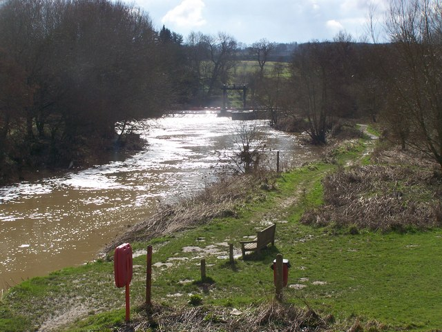 Teston Weir from Teston Bridge