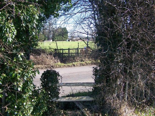 Footpath crosses Teston Road