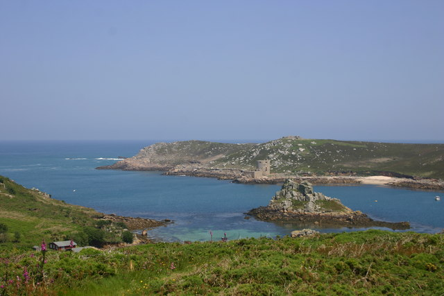 Cromwell's Castle and Hangman Island from Bryher