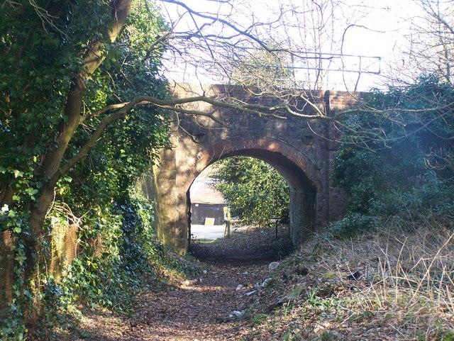 Railway bridge over Wealdway