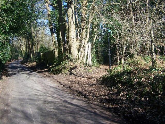 Wealdway leaves Windmill Hill road