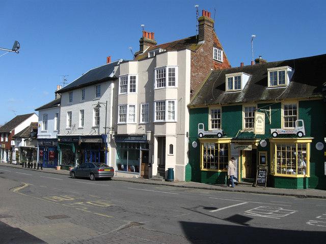 Cobblestone Walk, High Street