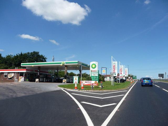 Exeter A38 : BP Petrol Filling Station and Spar
