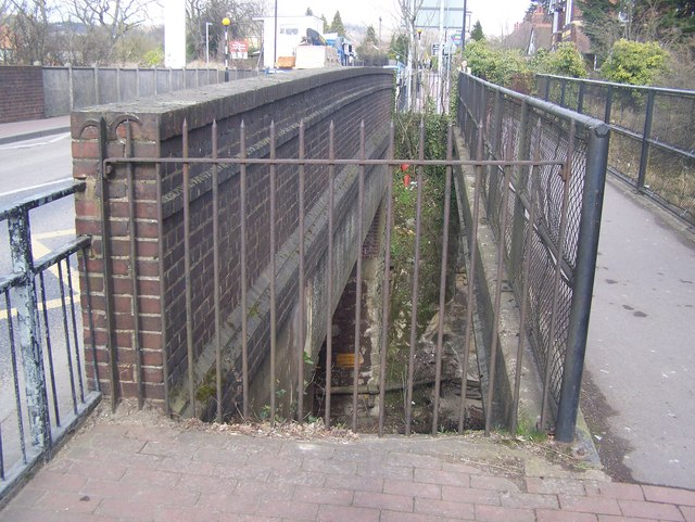 Footbridge and Wrotham Road bridge