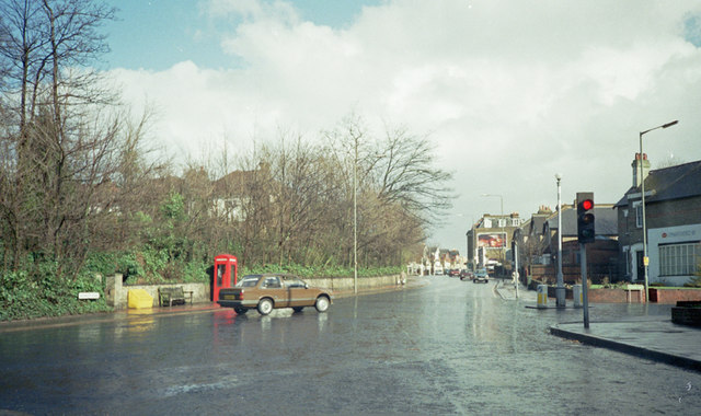 Junction of Manor Road and Wickham Road - May 1987
