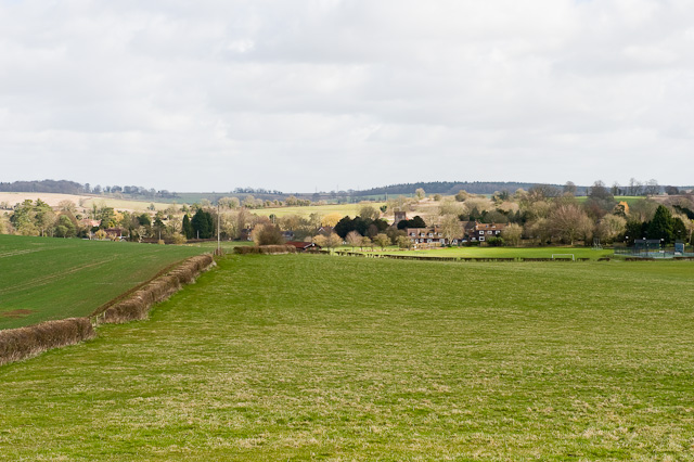 Approaching Cheriton on footpath from Westfield Farm