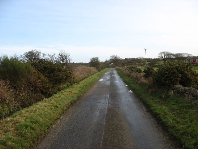 Straight stretch of road leading to Pont Pensarn bridge