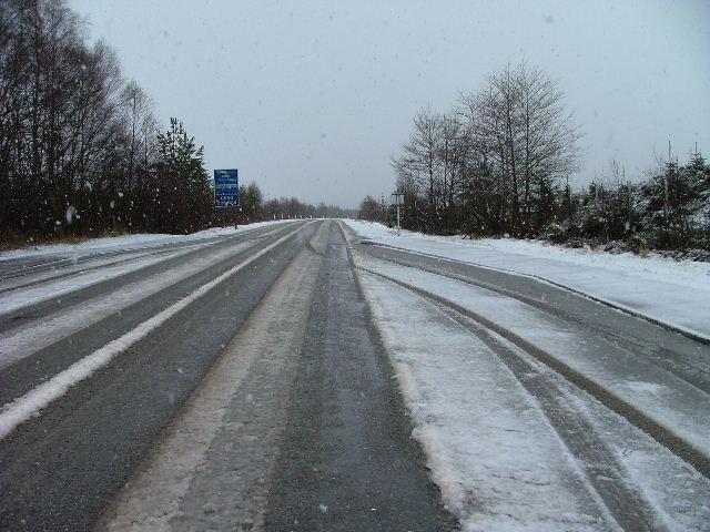A snowy A887 at  Ceannacroc