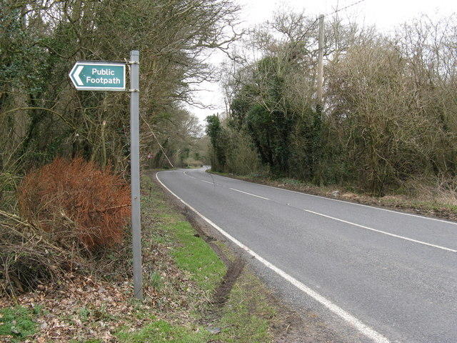 The B2133 Harbolets Lane heading NW to Adversane