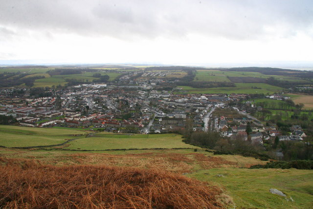 Tillicoultry from the slopes of Kirk Craigs