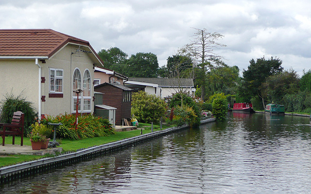 Staffordshire and Worcestershire Canal at Penkridge