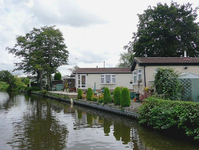 Housing by the canal at Penkridge, Staffordshire