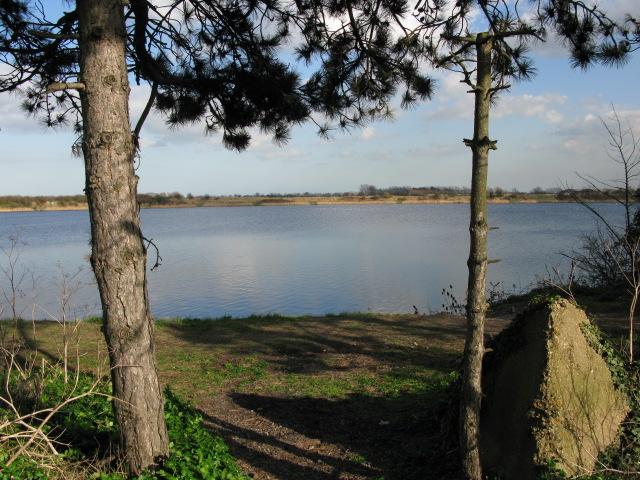 View across Stonar Lake