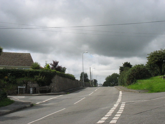 The B5110 at the eastern entrance to Marian Glas