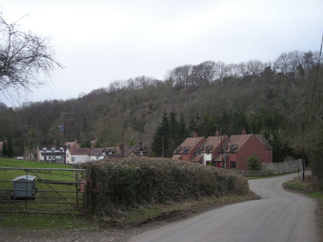 Oreton & its pub (the white building on the left)