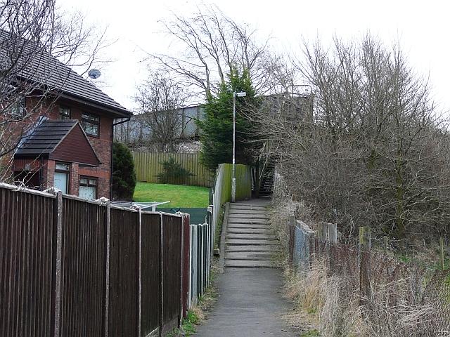 Currock railway footbridge (3) - approach from Denton Holme