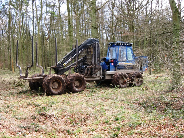 Tractor use in the recent timber extraction
