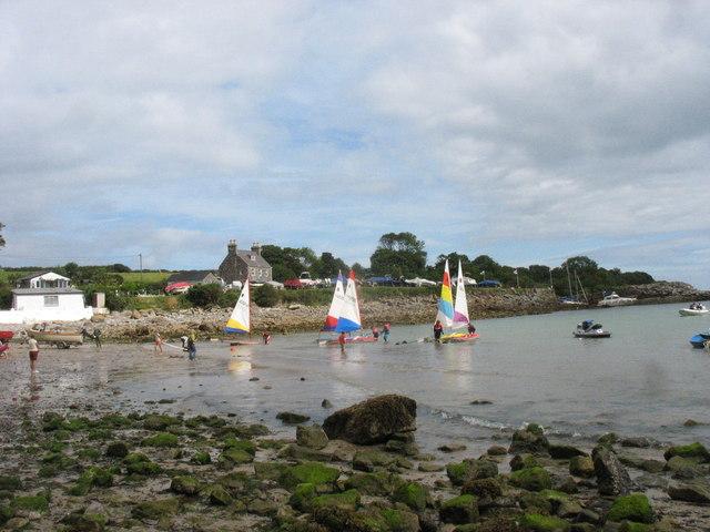Dinghies in Traeth Bychan bay
