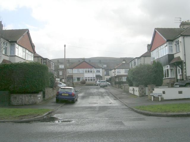 Thwaites Avenue - Leeds Road