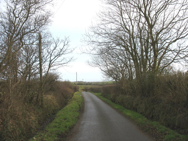 Road eastwards towards the crossroads of the Llaneuddog and Gadfa roads