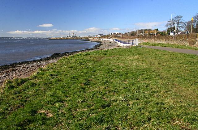 Grassy beach near Stannergate