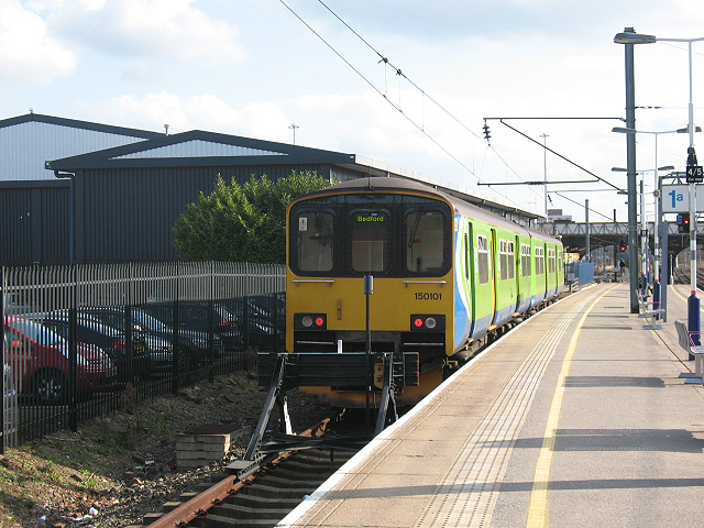 Bedford railway station: London Midland