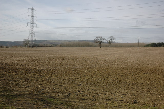 Farmland and power lines, Hinton on the Green